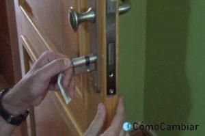 como cambiar una cerradura